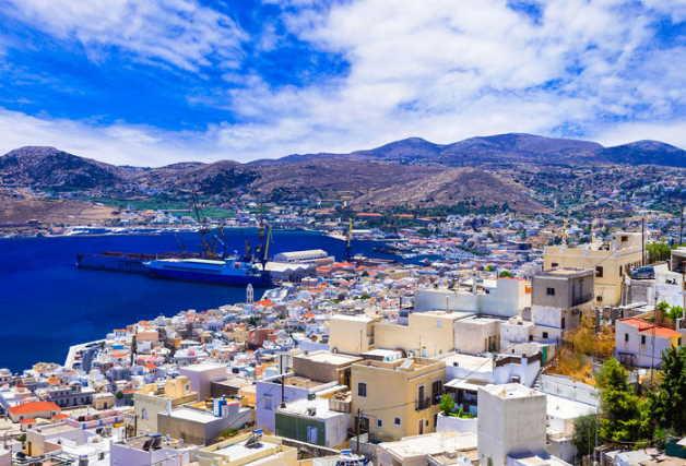Υπηρεσίες ενοικίασης σκάφους Explore Athens Yachting rent a rib Siros